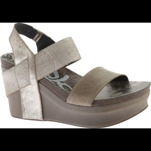 OTBT leather wedges new without box